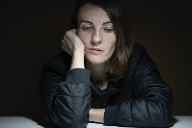 Hoe houd je van jezelf ook al reageert je lichaam telkens met stress? 3 tips.